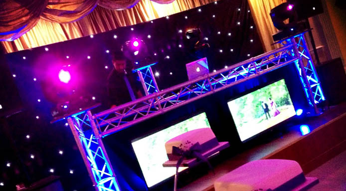 2L DJs - Asian Wedding DJs, Entertainment, Dhol Players and Bhangra/BollywoodDancers