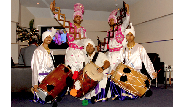 2L DJs & Dhol Division - Asian Wedding DJs, Entertainment, Dhol Players and Bhangra/BollywoodDancers